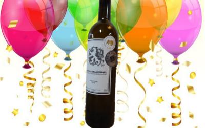 Pinot gris: double récompense. De l'argent au mondial des pinots et de l'or aux sélections des vins de Genève! Autres récompenses: médaille d'or pour notre sauvignon et médaille d'argent pour notre merlot ainsi que notre cuvée des Lions (sélections des vins de Genève).